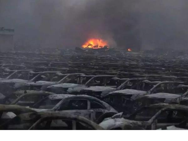 天津大爆炸,雖然新聞採訪受阻,但網友用無人機還原真相