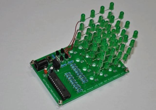 台幣825元搞定,手工製作立體LED矩陣燈光秀