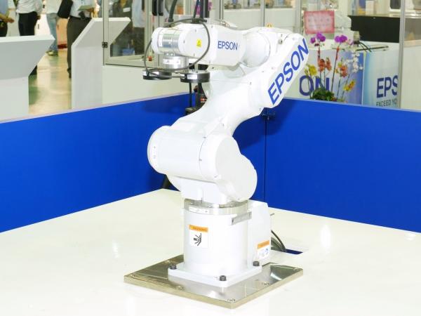 2015 台北國際自動化工業展:Epson 機械手臂、BenQ 智慧倉儲,啟動工業 4.0 時代