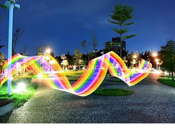台灣團隊開發 IDEAM STICK :光影 X 空間 = 一根賦予攝影魔法的神奇光繪棒