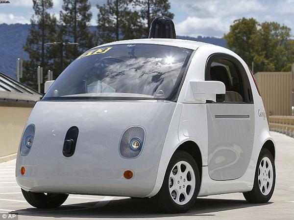 看看這台可愛的Google自動駕駛車,你有沒有發現它少了什麼東西?