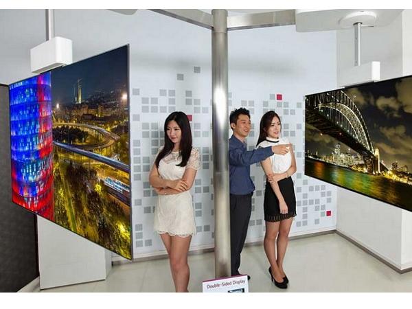 想看?怕你家客廳不夠大!LG發表世界首款OLED超薄「雙面」電視