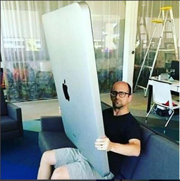 iPad 還可以多「大」?網友惡搞給你看