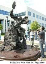 【魔獸世界】暴風雪公司庭園的雕像完工!