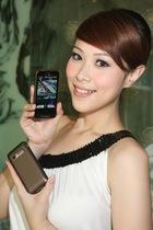 Garmin-Asus導航手機暢銷主打M10E三色新裝全新登場