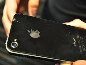 iPhone 4 玻璃門:小心使用保護套