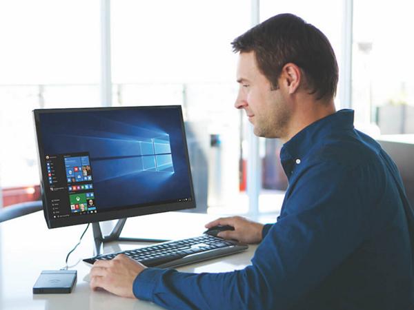 這不是行動電源,而是 InFocus 的 Windows 10 電腦 Kangaroo:內建電源、99 美元買得到