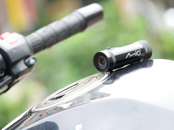 機車族的行車安全良伴 Mio MiVue M500 鐵金剛行車記錄器實測