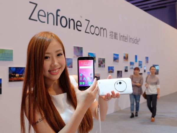 ASUS 發表 ZenFone Zoom 三倍光學變焦手機,售價 13,990 元起,並舉辦千人體驗嘉年華