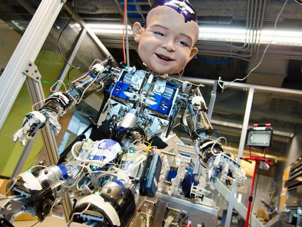 看過Hanson Robotics之後,你開始懷疑跟你聊天的是真人還是機器人?