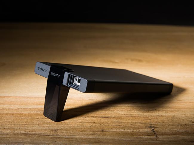 行動微型投影機時代來臨!Sony MP-CL1 雷射投影機一手試玩