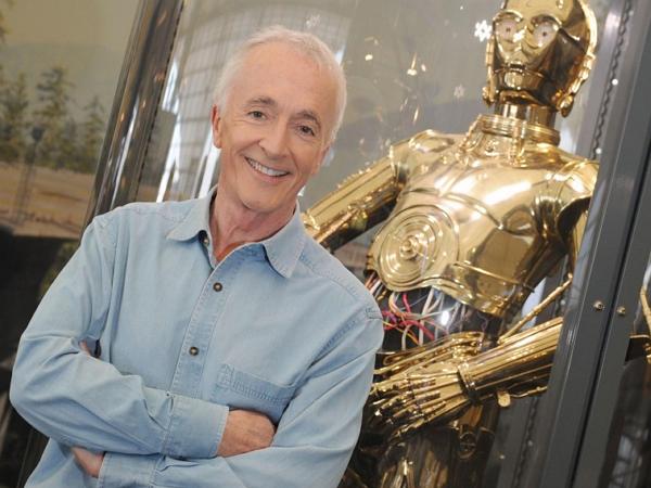 星際大戰 C-3PO 機器人扮演者透露:為了 C-3PO 的外殼,《原力覺醒》片場買了台3D列印機