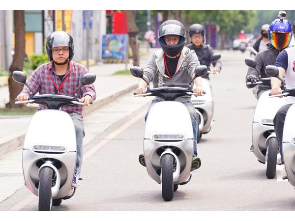 交通部新制提前實施:今天起,想拿輕型機車駕照須路考