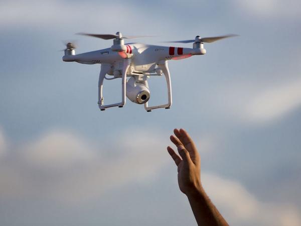 [CES新品]DJI 大疆推出兩款空拍機,其中一台竟只是前一款的黑色版