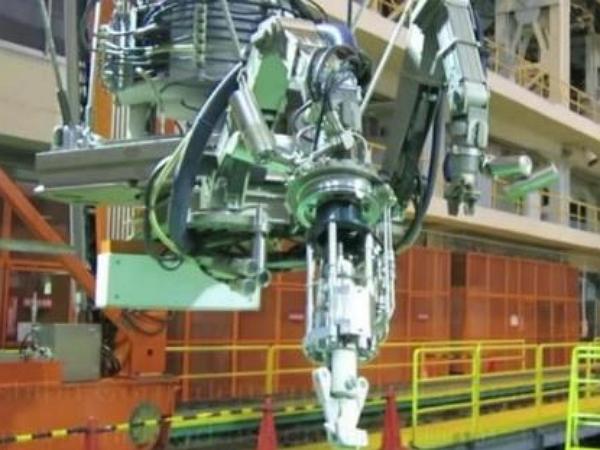 東芝的巨型機器人將進入福島核電站中心區,清除燃料棒