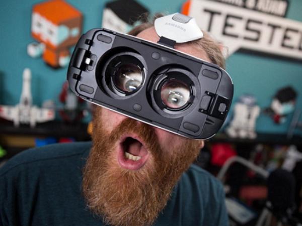 VR遊戲不夠多怎麼辦?沒關係,成人VR電影來補齊