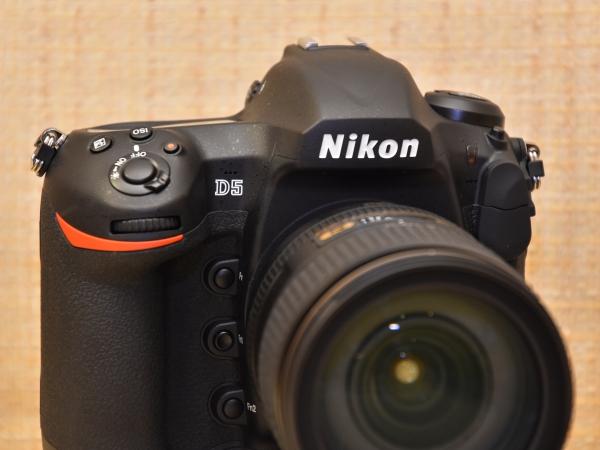 新一代機皇 Nikon D5 日本搶先實測!規格總覽、機身介紹、實拍實測上手玩