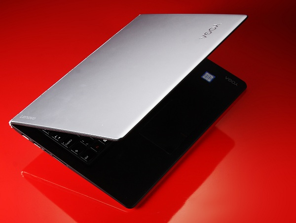 Lenovo Yoga 900 評測:二合一筆電效能再升級,筆電、平板、直立、帳篷模式輕鬆換
