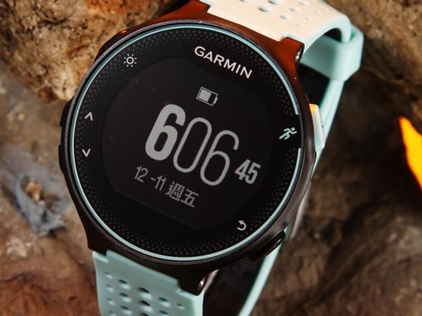 心率跑錶進化款-Garmin Forerunner 235
