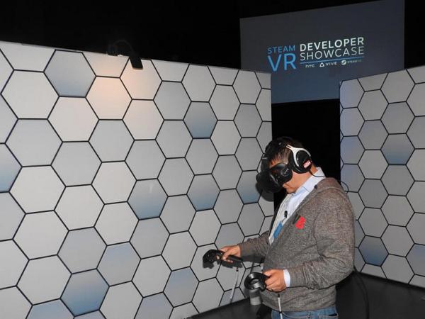 開賣 10 分鐘,HTC Vive 虛擬眼鏡預售就達 15000 台