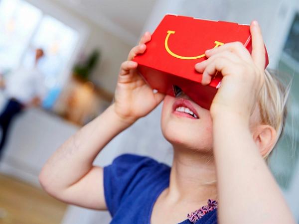 麥當勞將快樂兒童餐變成Google紙盒眼鏡:瑞典先發,其它國家再等等!