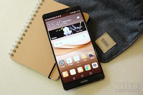 有感革新!華為 Mate 8 手機日本街頭實拍測試,大螢幕搶眼、續航力超強