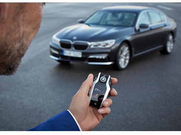 跟科技公司拚了!BMW提高軟體工程師比率到50%,衝刺發展自動駕駛汽車!