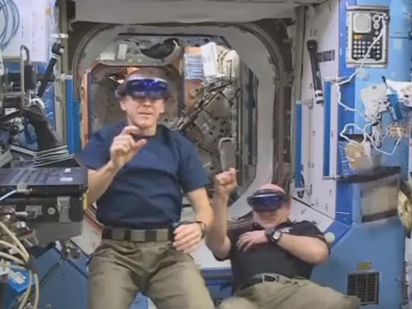 從地球玩到外太空,看太空人怎麼玩微軟 HoloLens擴增實境眼鏡?