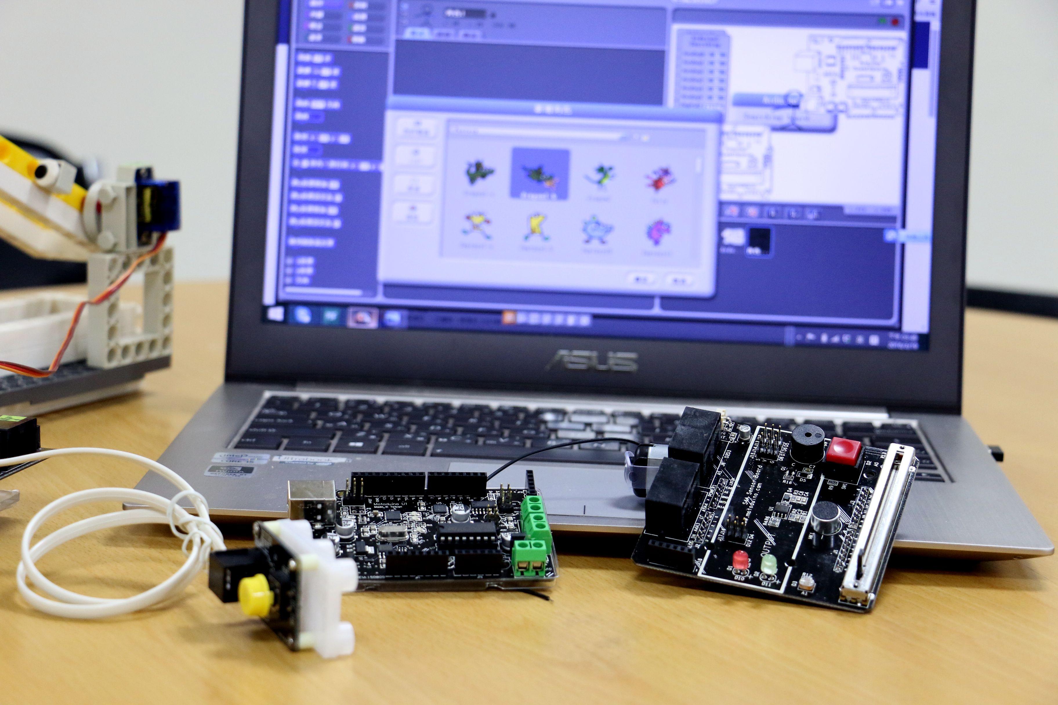 【Maker Club】用 Scratch 玩 Arduino入門第一課!認識Scratch介面開發環境,玩好積木角色及造型