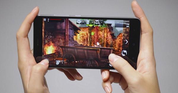 比Note還大!小米Max 手機 6.4吋前面板曝光,可能五月上市