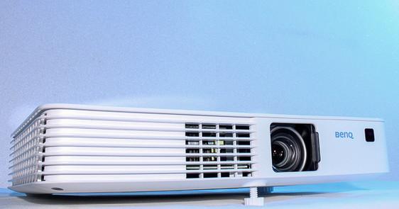 高亮度LED Full HD薄型投影機,BenQ CH100評測