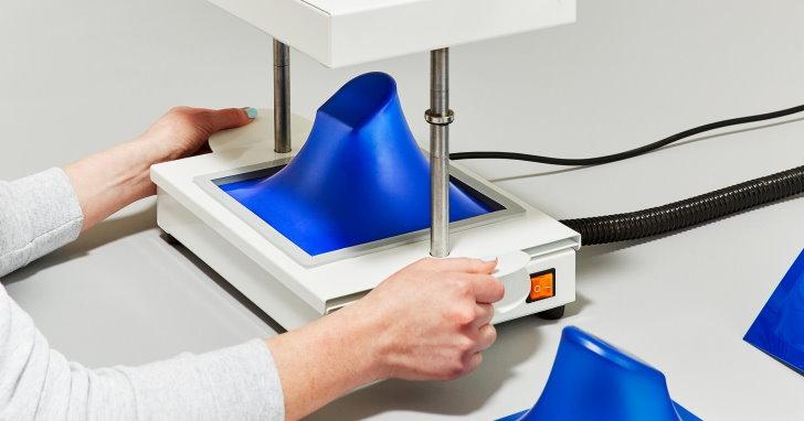 比3D列印更神,秒速真空成型機FormBox瞬間搞定