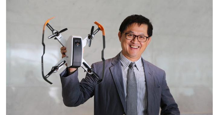 無人機、VR頭戴型裝置及背包、智慧管家通通有!和碩董事長童子賢秀出旗下七項創新產品