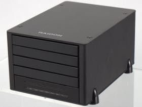銳銨 MiniTANK J4-4S-SB3,把四個外接盒裝在一起