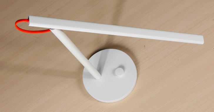 小米 LED 智慧檯燈開箱:除了智慧功能,它的演色性夠水準嗎?