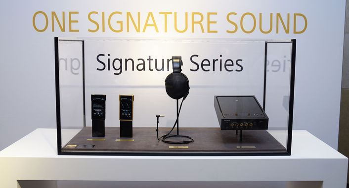 Sony 發表全新 Signature 系列旗艦級耳機、耳擴與數位隨身聽產品,導入最新4.4mm規格平衡端子,定義終極聆聽體驗
