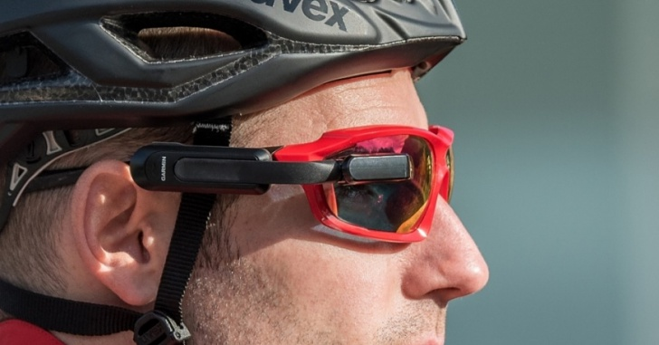 單車族不再低頭看碼錶!Garmin 推出 Varia Vision 自行車智慧顯示器