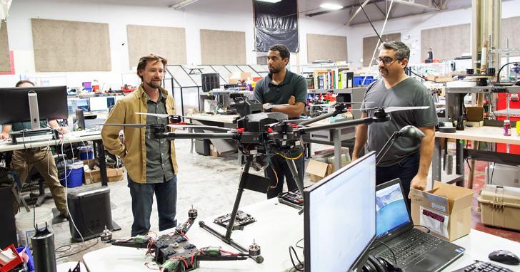 他們研發的「無人機獵人」不但能獵殺不請自來的無人機,還能自動駕駛