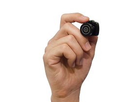 CHOBi CAM ONE:世界最小 DSLR(誤)