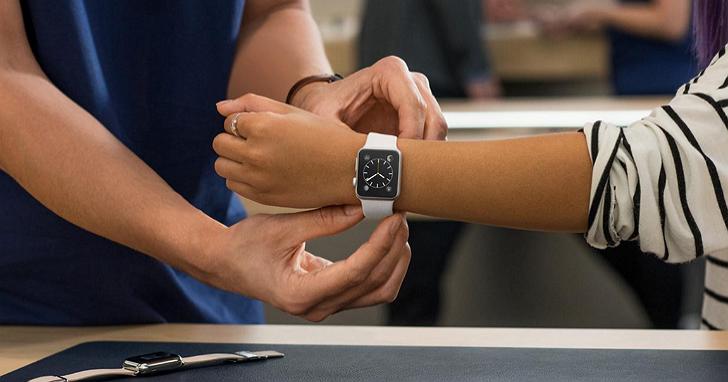 Apple Watch 第三季跌出可穿戴裝置前三名,但庫克反而說今年Apple Watch賣得超好?