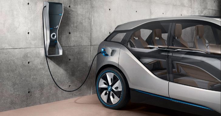 除了特斯拉的超級充電站,還有哪些主流的汽車充電標準?