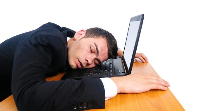 你累了嗎?一名GitLab工程師因熬夜工作閃神誤刪300GB資料,只好直播資料搶救過程