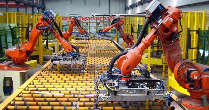 比爾蓋茲:既然勞工需要繳稅,政府也應該對利用機器人取代勞工的公司考慮「機器人稅」