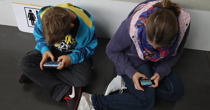 西班牙一名 15 歲少年因媽媽不給他玩手機,憤而將媽媽告上法院