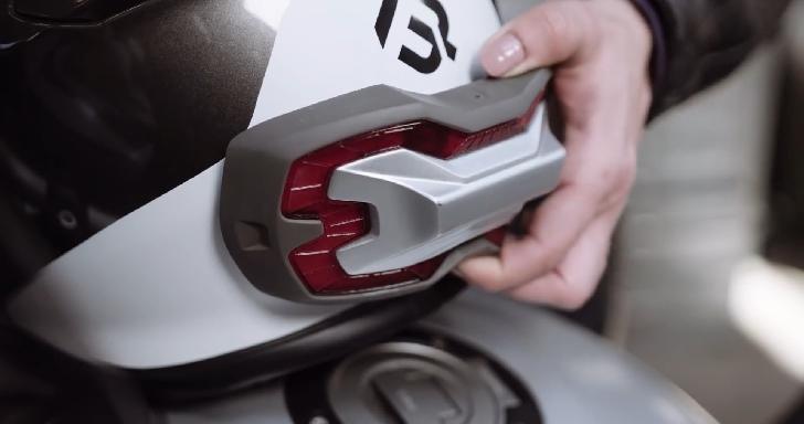 機車也有第三煞車燈,Brake Free利用磁鐵貼上安全帽就能使用