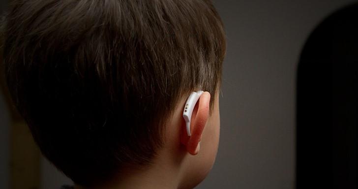 這不是助聽器,是能在寶寶睡夢中監測體溫的degree°體溫計