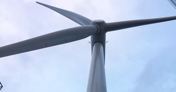 世界最大的風力發電廠在英國登場,轉一圈一家人可以用電 29 小時