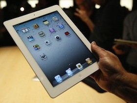 iPad 2 強不強?外國人測給你看