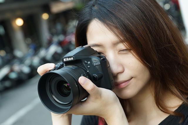 準備好了嗎?享受快門聲的感動,擁有自己的第一台單眼相機 - 輕巧小單眼Nikon D3400只要$14,900