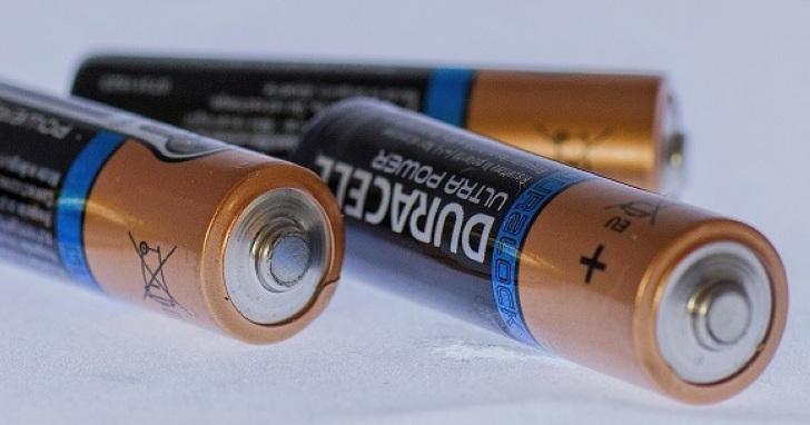 技術大師角力電池市場,可充電鹼性電池是否能成為奇兵?